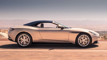 Aston Martin DB11 Volante - roof