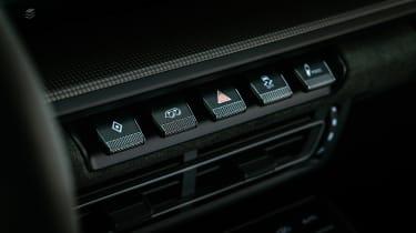 Porsche 911 GTS review (992) – buttons