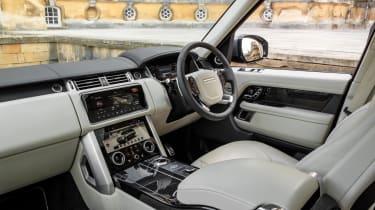 Range Rover P400e PHEV interior