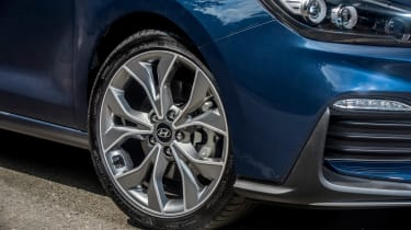 Hyundai i30 N-Line driven - wheels