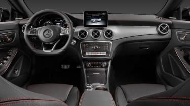 Mercedes-Benz CLA250 4MATIC - interior