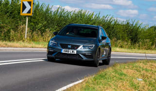 SEAT Leon Cupra ST Carbon Edition - front