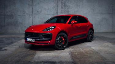 2021 Porsche Macan GTS front quarter