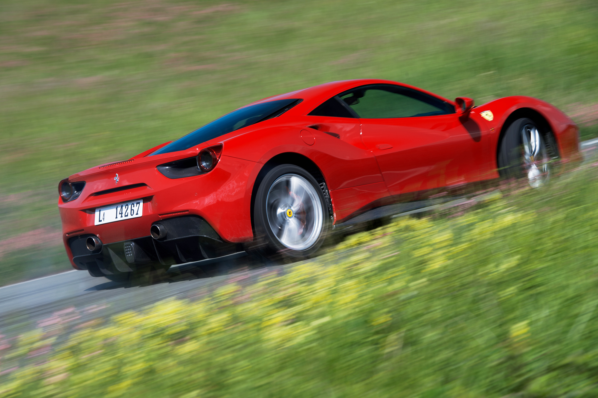 Ferrari 488 Gtb Review Prices Specs And 0 60 Time Evo