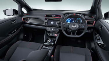 Nissan Leaf Nismo concept officials interior