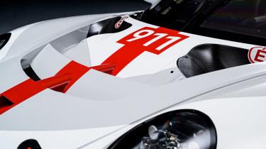 Porsche 911 RSR - bonnet
