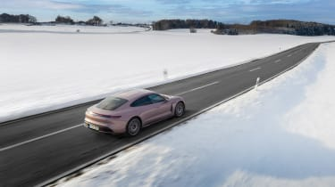 Porsche Taycan rwd - pink rear drone