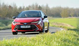 Toyota Corolla hybrid 2019 review - turn