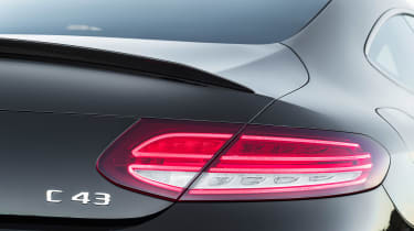 Mercedes-AMG C43 Coupe - lights