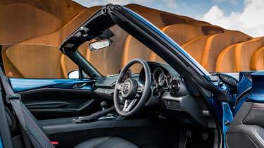 Mazda MX-5 RF Sport Black – interior