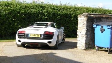 Audi R8 Spyder departs