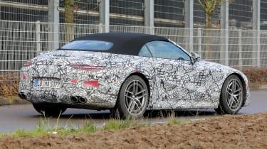 Mercedes SL spy 2021 - rear quarter3