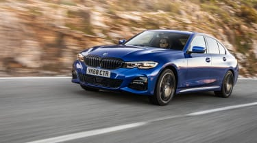 BMW 320d M Sport review - can the everyman 3-series beat the