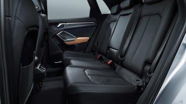 Audi Q3 2018 - interior rear