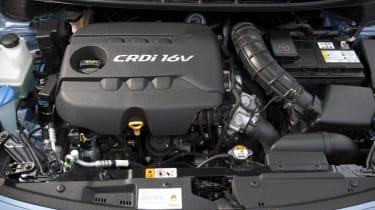 Hyundai i30 1.6 CRDi engine