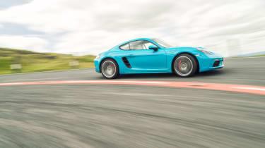 Porsche 718 Cayman S - Side