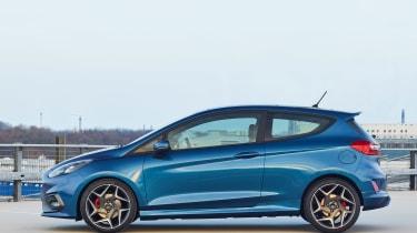 2017 Ford Fiesta ST - side profile
