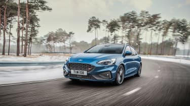 Ford Focus ST 2019 - front quarter