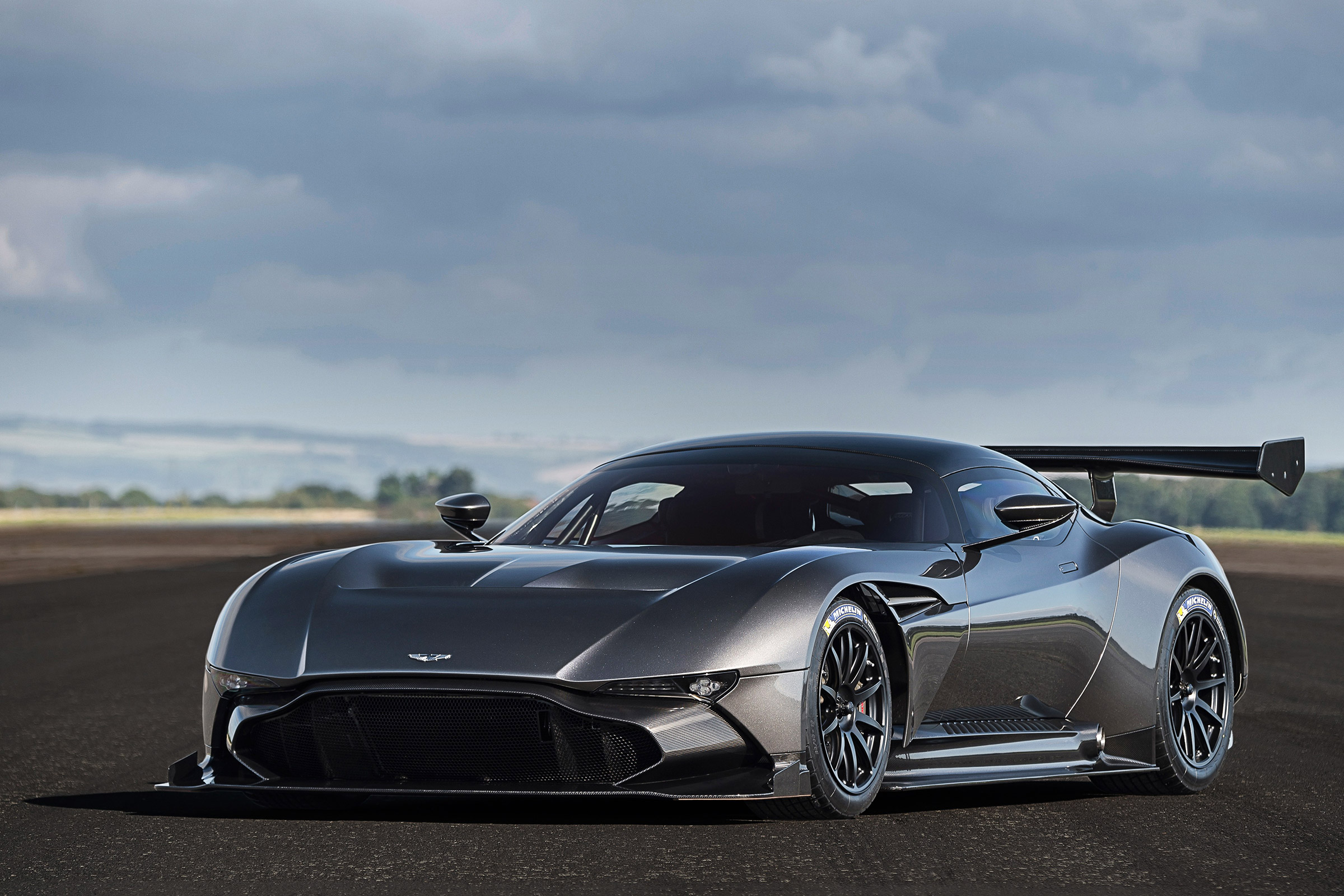 Aston Martin Vulcan Video Latest News And All You Need To Know Evo