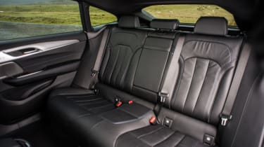 BMW 6-series GT 630d - rear bench