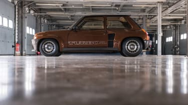 Renault 5 turbo side
