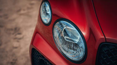 Bentley Bentayga S – headlights