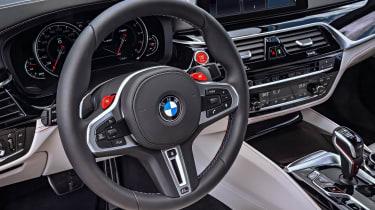 BMW M5 F90 - Plum matte dash