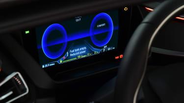 BMW i8 Roadster - dials