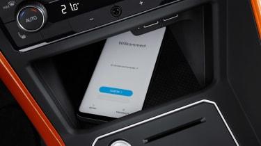 2017 Volkswagen Polo - Beats phone charging