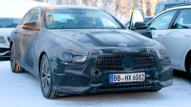 Updated 2019 Mercedes E-class spied – ststic