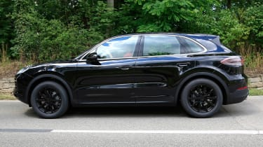 Porsche Cayenne spy shot profile 3