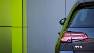 2017 Volkswagen Golf GTD - Rear light