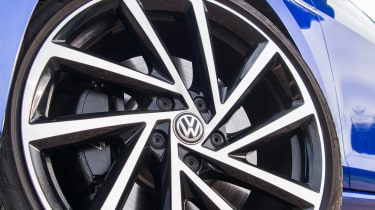 Volkswagen Golf R - wheel