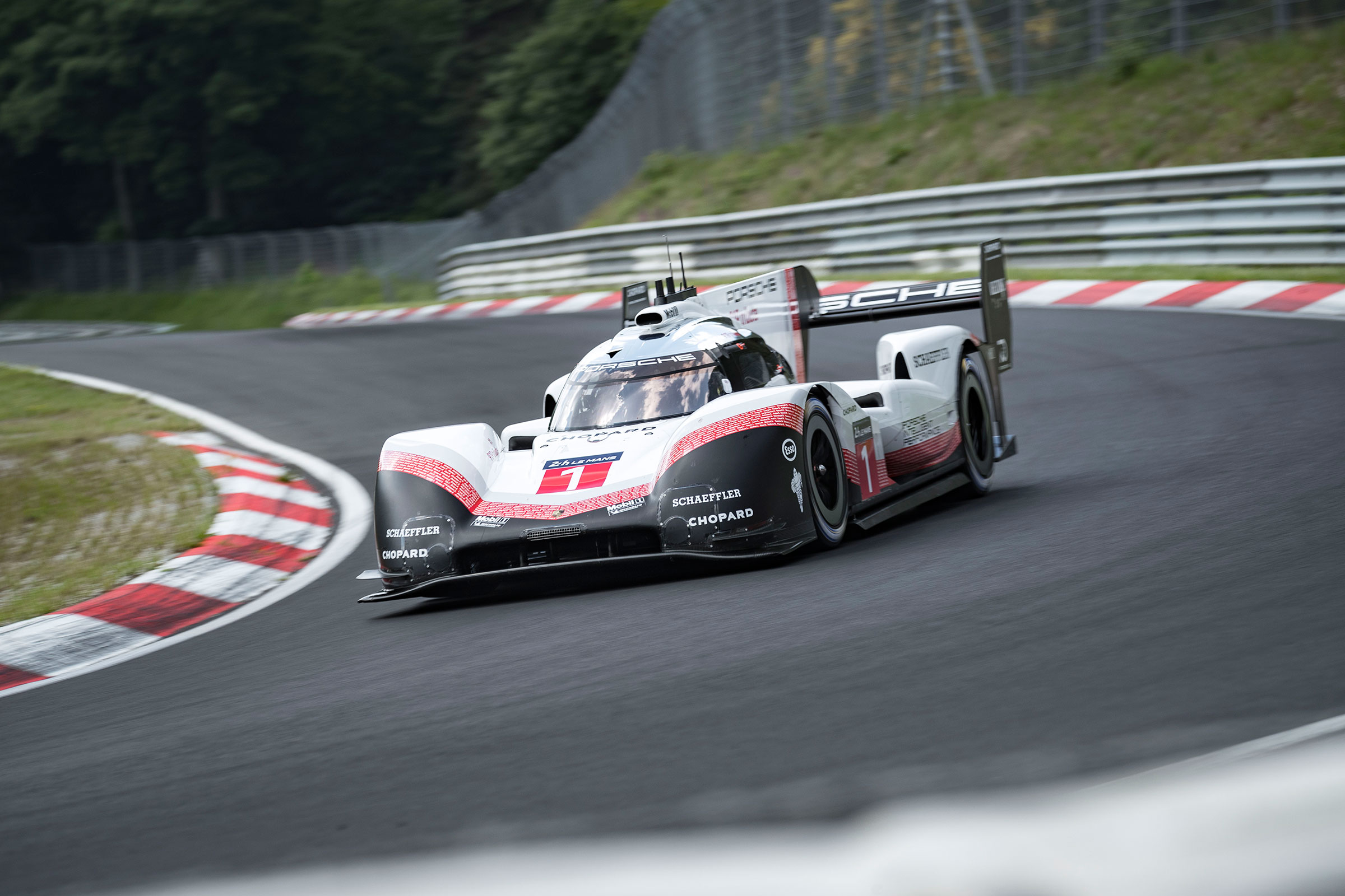 Porsche 919 Evo officially laps the \u0027Ring in 519.5 smashing