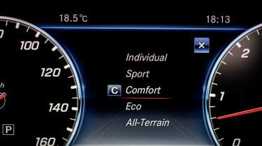 Mercedes E-class All-Terrain – instrument binnacle