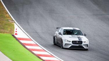 Jaguar XE SV Project 8 - turn