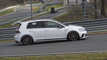 Volkswagen Golf GTI Clubsport side cornering