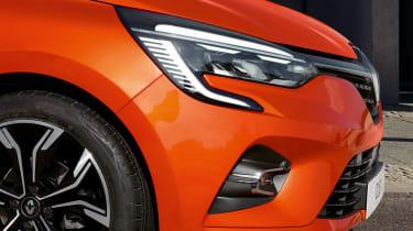 Renault Clio exterior - headlight