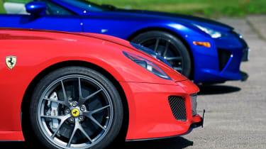 Ferrari 599 GTO v Lexus LFA video