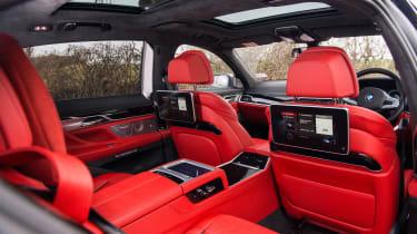 BMW M760Li xDrive - Rear seat entertainment
