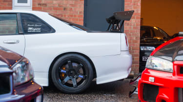 Nissan GT-R collector - white GT-R