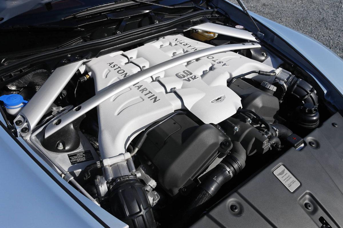Aston Martin V12 Vantage Evo