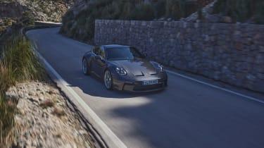 Porsche 911 GT3 Touring – front in shadow