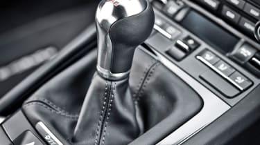 Porsche 911 Carrera T – gear lever