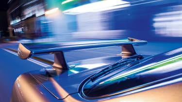 Nissan Skyline GT-R R34 - rear-wing