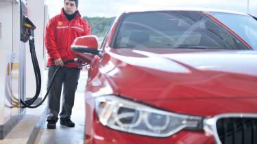 BMW 320d fuel fill up