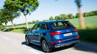 Audi SQ5 TFSI - rear tracking