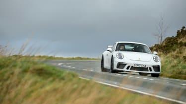 Porsche 911 GT3 vs Lotus GT430 - front