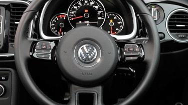Volkswagen Beetle 1.4 TSI Sport steering wheel
