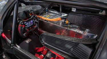 VW ID R – cockpit